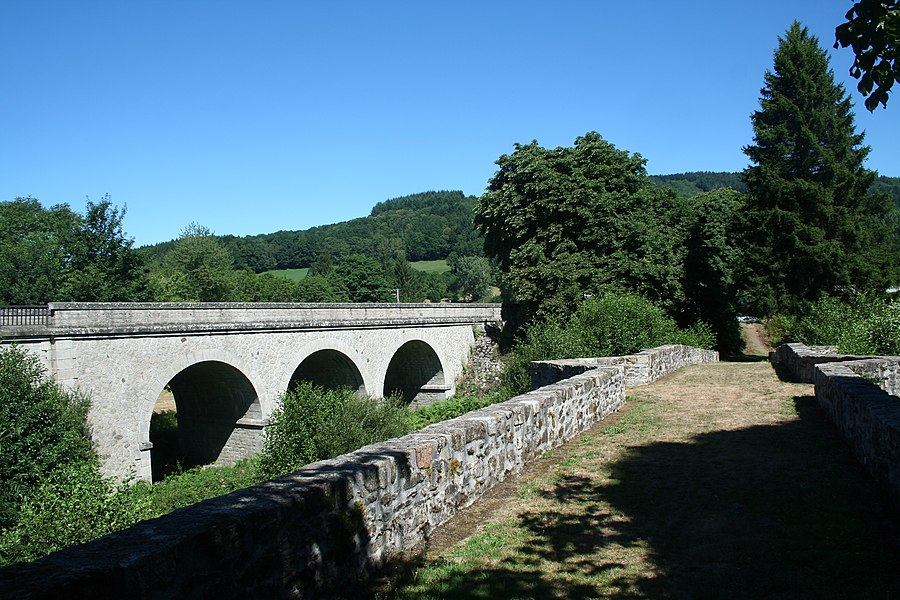 La Salvetat-sur-Agout (Hérault) - le pont de Saint-Étienne et le pont actuel sur la Vèbre.