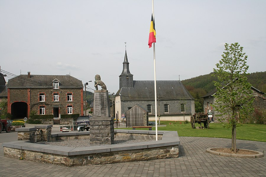 Laforêt (Belgium), the public square of the village.