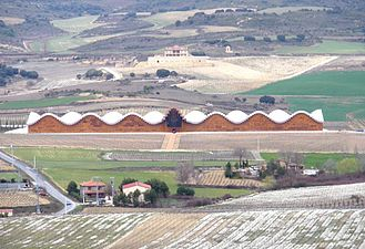 Laguardia - Bodega Ysios.JPG