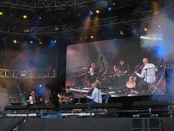 Lau, 2011