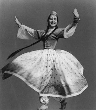 Leona Wood - Leona Wood performing a Tadjik dance. Photo: Philip Harland 1965