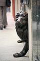 Lions Statues (2939094675).jpg
