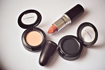 Lipstick (product)