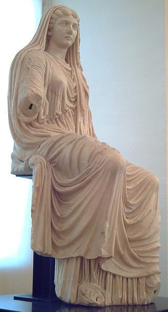 Stola - Statue of Livia Drusilla wearing a stola and palla