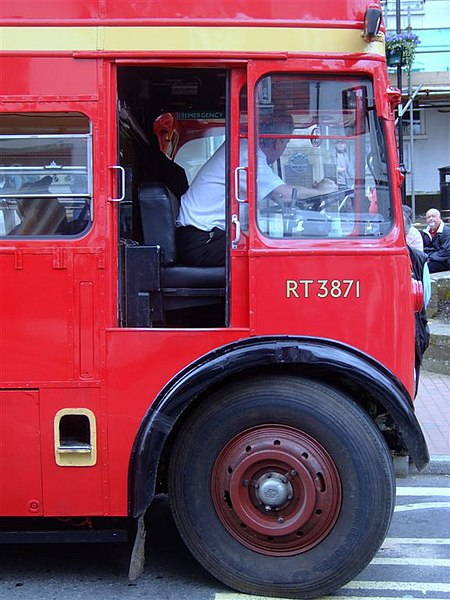 File:London Bus RT 3871.jpg