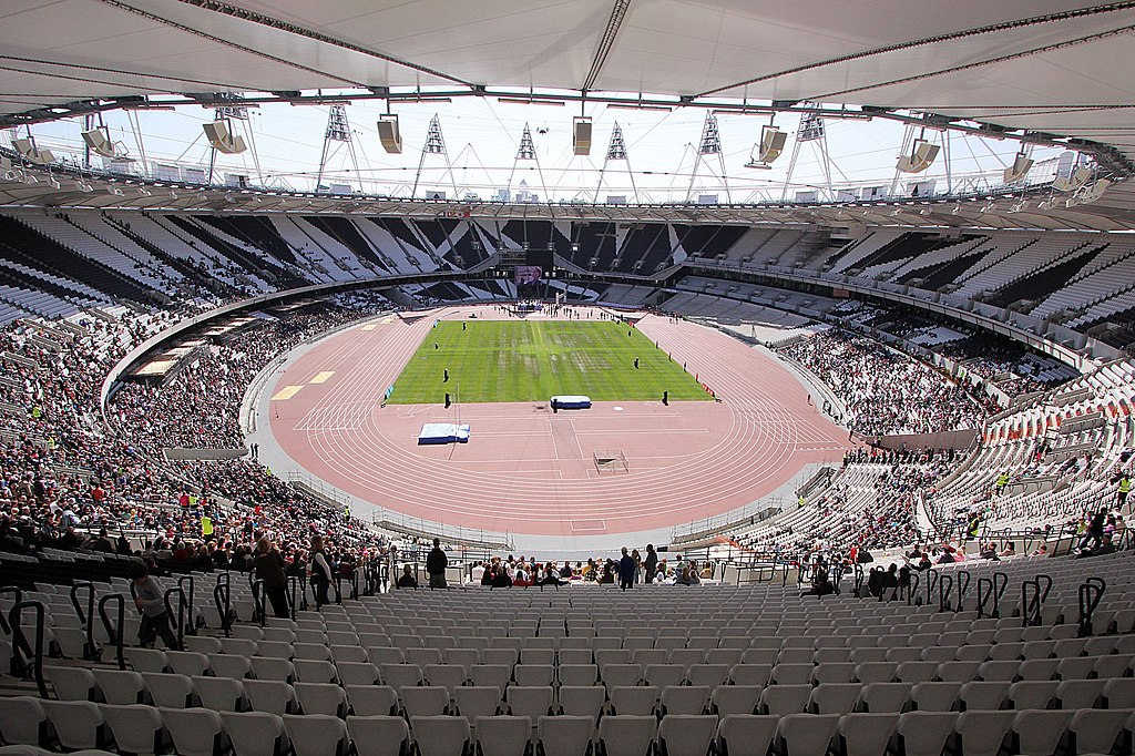 http://upload.wikimedia.org/wikipedia/commons/thumb/1/19/London_Olympic_Stadium_Interior_-_April_2012.jpg/1024px-London_Olympic_Stadium_Interior_-_April_2012.jpg