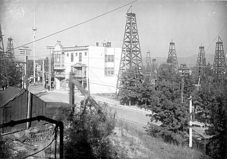 History of the petroleum industry in the United States - Los Angeles City oil field, 1905