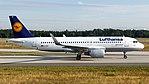 Lufthansa Airbus A320-200 (D-AIUF) at Frankfurt Airport.jpg