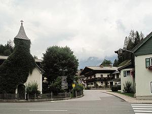 Annaberg-Lungötz - Image: Lungötz, straatzicht met kerktoren foto 3 2011 07 28 11.44