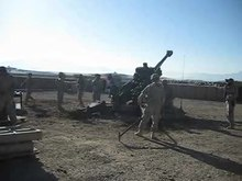 Ficheiro:M777 Light Towed Howitzer In operation.ogv