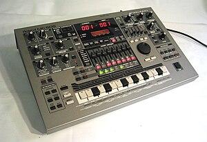 Roland MC-505 - Image: MC505a