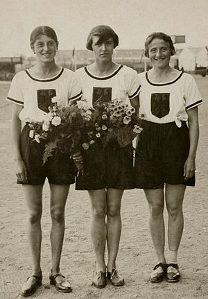 Marie Dollinger - Marie Dollinger, Lina Radke and Elfriede Wever, finalists in the 800 m at the 1928 Olympics