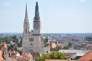 Main façade and spires (108 m.) - Zagreb Cathedral (13023622635).jpg