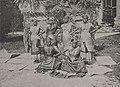 Malabar Frauen im Vergügungspark der Internationalen Kunst-Ausstellung und große Gartenbau-Ausstellung in Düsseldorf, 1904.jpg