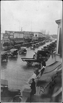 March First parade in Dinuba, 1920 (16501).jpg
