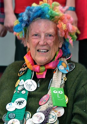 Margaret Mahy - Mahy, with her characteristic rainbow wig, at the Kaiapoi Club, July 2011