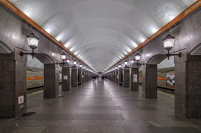 Метро «Достоевская» вПетербурге открыта для пассажиров