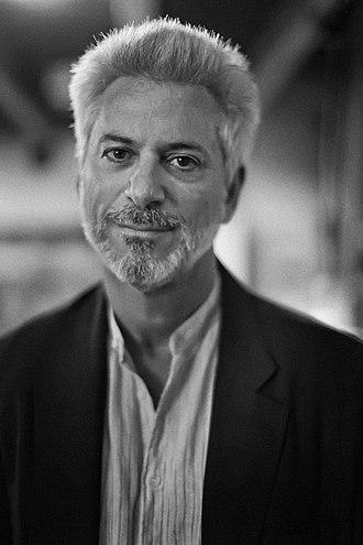 Michael Specter - Image: Michael Specter Headshot new