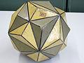 Modell eines Kristalls des Minerals Pyrit (Eisernes Kreuz) -Krantz 375-.jpg