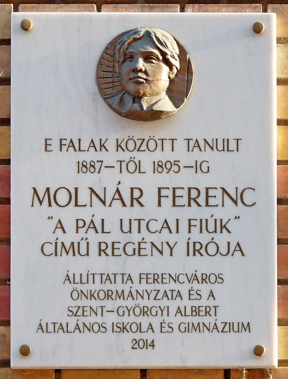 Moln%C3%A1r Ferenc plaque (Budapest-09 L%C3%B3nyay u 4)