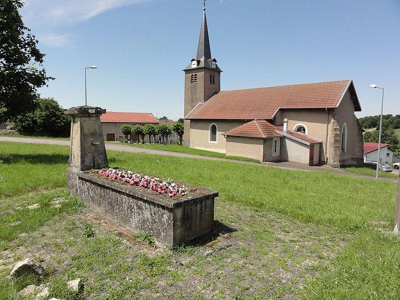 Montigny (M-et-M) église (04) et fontaine