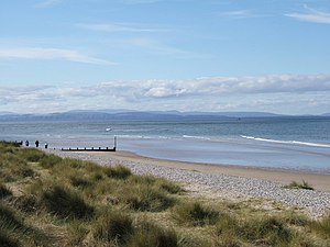 Moray Firth - View from Findhorn: The hills across inner Moray Firth end in Tarbat Ness. The mountains in the background rise behind Dornoch Firth.