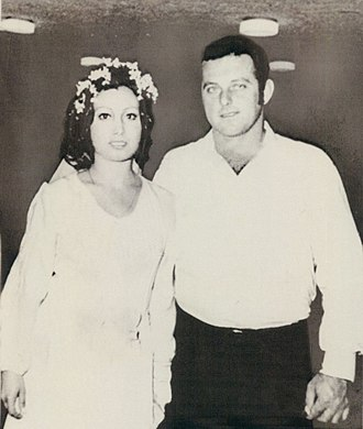 Moshe Weinberg - Weinberg with wife in 1971