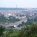 Most Barikádníků, z Květinářské uličky (01).jpg