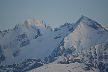 Mountain peak in norway.jpg