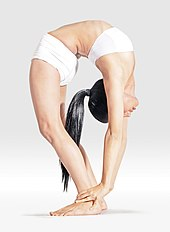 Mr-yoga-reverse facing stretch -3.jpg