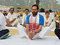 Mukhtar Abbas Naqvi performing Yoga along with other participants, on the occasion of the 2nd International Day of Yoga – 2016, at Chaudhary Charan Singh University Ground, Meerut (UP) (1).jpg