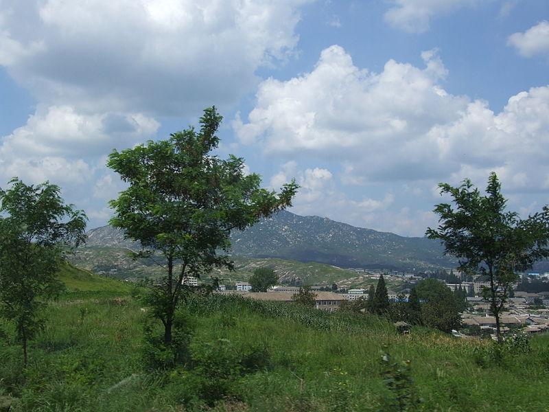 File:Nature of North Korea, Gaeseong.JPG