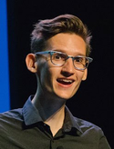Neil Cicierega speaking at XOXO 2016 (cropped).png