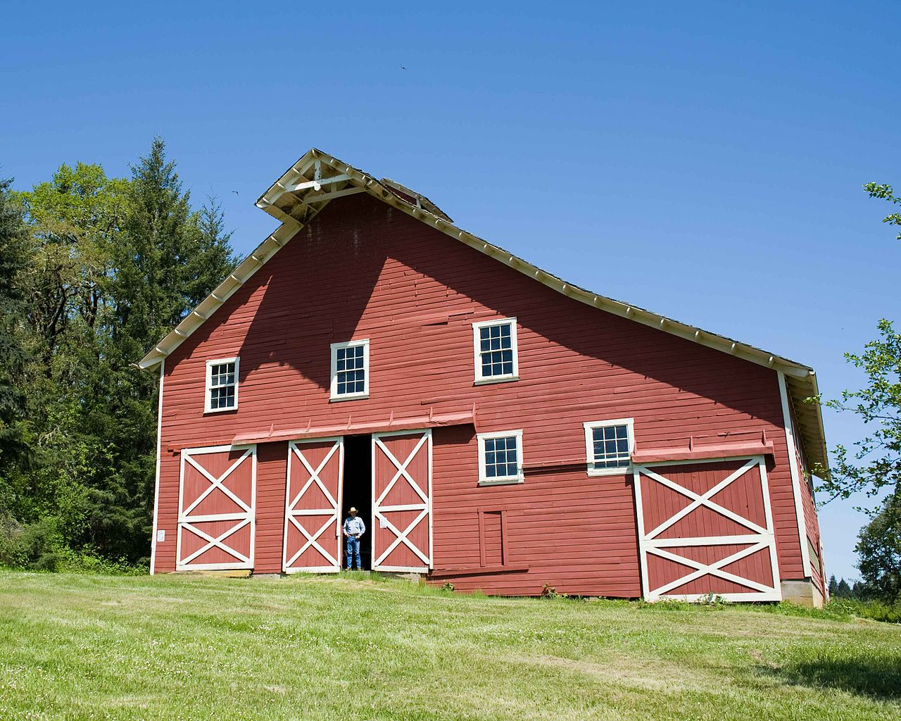 File:Nice Red Barn.jpg