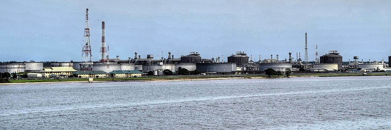 Oil Factory - panoramio (cropped).jpg