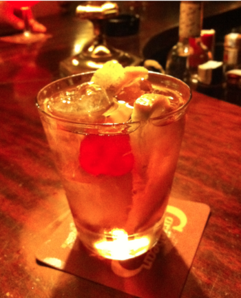 English: Picture of an Old Fashioned cocktail,...