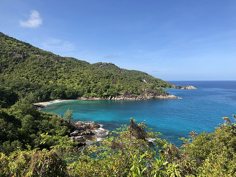 File:Overlook of Anse Major from the trail.jpg