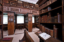 Oxford - Jesus College Library - 0473.jpg