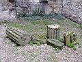 Périgueux château Barrière intérieur blocs.JPG