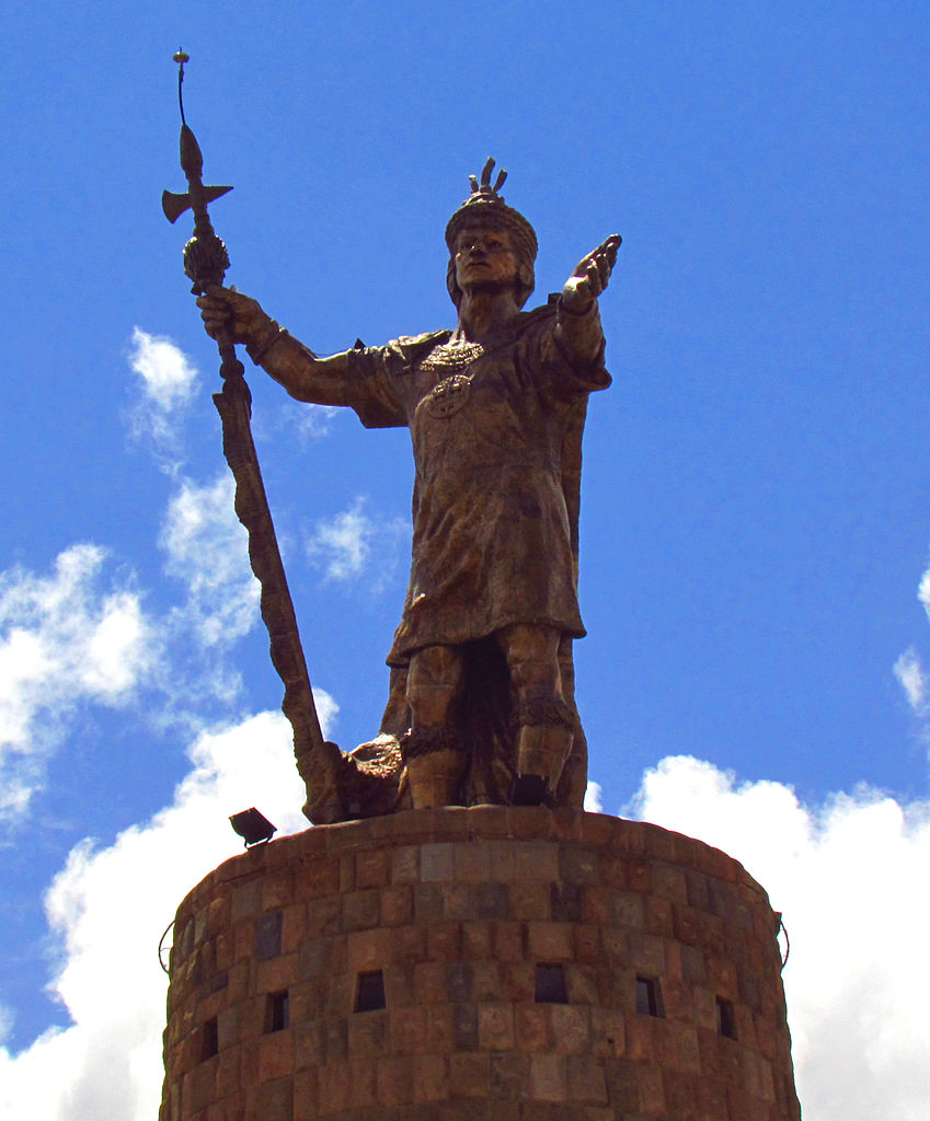 File Pachacuti Statue Cuzco Jpg Wikimedia Commons