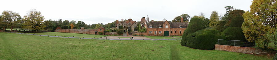 Panorama of Packwood House