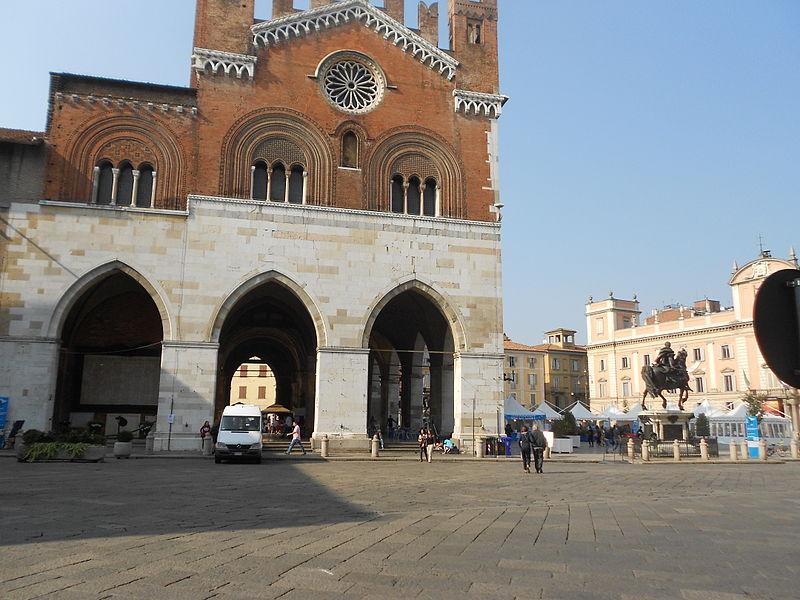 File:Palazzo Gotico 3.JPG