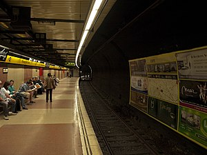 Passeig de Gràcia station - Line L4 platform, direction La Pau
