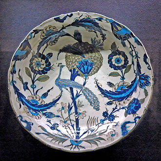 Koechlin family - Peacock dish, legated to the Louvre by Raymond Koechlin
