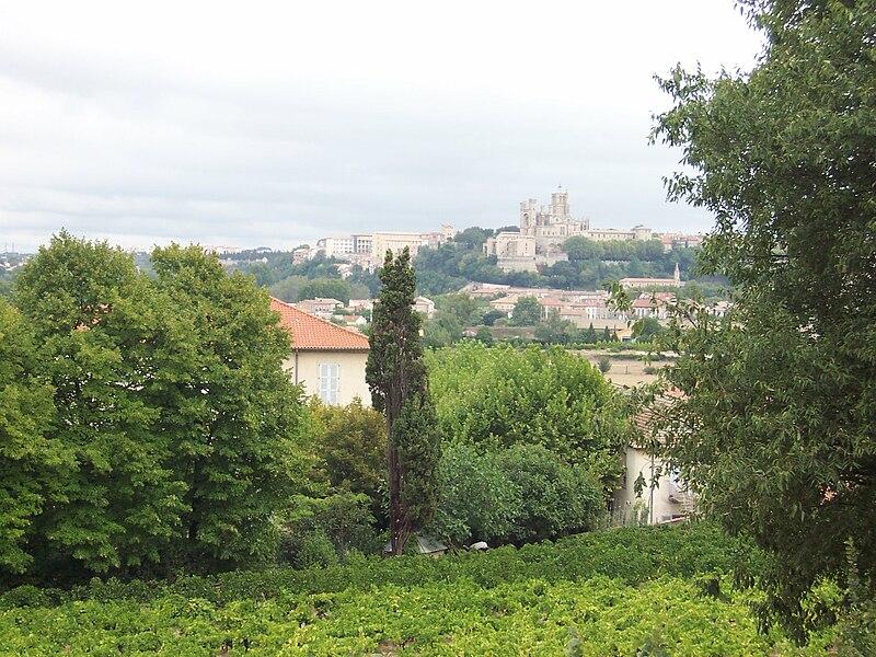 File:Photo30163 vue sur Béziers et sur la cathedrale Saint-Nazaire.jpg