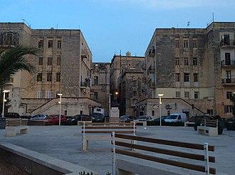 Manderaggio - Mattia Preti Square and the housing estates at the Manderaggio