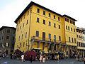 Piazza santa croce 15-16-17, palazzo borghini.JPG