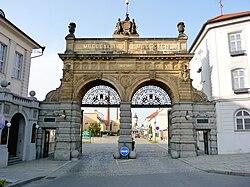 Pilsner-Urquell-Main-Gate.jpg