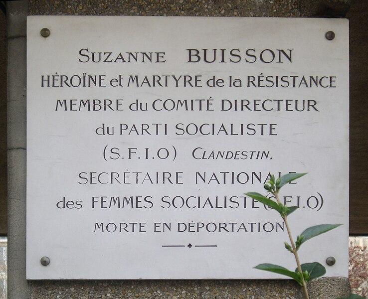 Fichier:Plaque Suzanne Buisson, Square Suzanne-Buisson, Paris 18.jpg