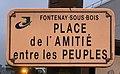 Plaque place Amitié Entre Peuples Fontenay Bois 2.jpg